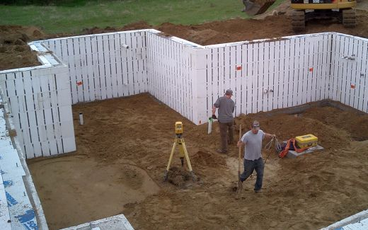 Compacting and leveling