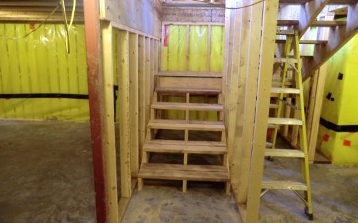 Crawlspace stairway